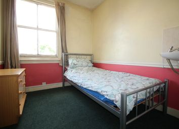 Thumbnail 1 bed flat to rent in West Street, Ewell