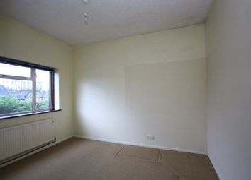 Thumbnail 3 bedroom flat to rent in Selwyn Avenue, London