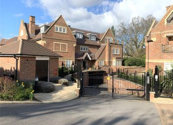 Grove Road, Beaconsfield, Buckinghamshire HP9. 3 bed flat