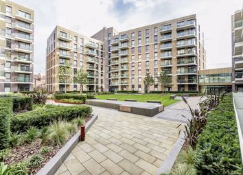 2 bed flat to rent in Queenshurst Square, Kingston Upon Thames KT2