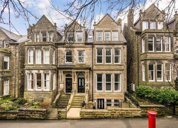 2 bed flat for sale in Harlow Moor Drive, Harrogate, North Yorkshire HG2