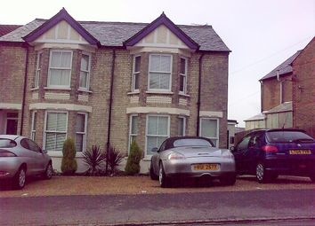 Thumbnail 2 bed flat to rent in Totteridge Avenue, High Wycombe