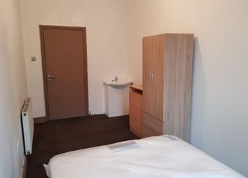 Thumbnail Room to rent in High Street, Smethwick