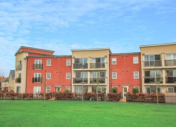 Thumbnail 2 bed flat for sale in Pondecroft, Aylesbury