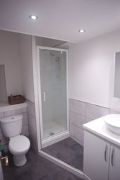 Thumbnail 5 bed flat to rent in Bank Street, Edinburgh