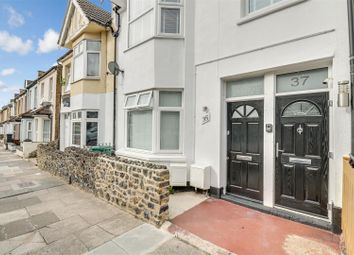 Chinchilla Road, Southend-On-Sea SS1. 2 bed flat