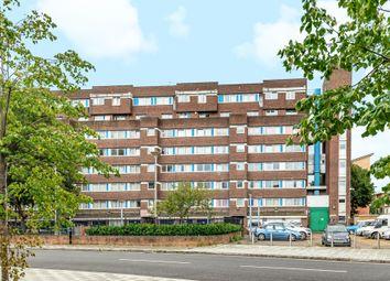 Rainsborough Avenue, London SE8. 2 bed flat