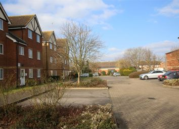 Thumbnail 1 bed flat for sale in Common Road, Langley, Slough