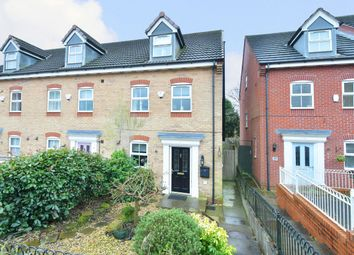 Thumbnail 3 bed town house for sale in Moorhen Way, Packmoor, Stoke On Trent