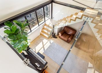 Thumbnail 2 bedroom flat to rent in Hopton Street, London