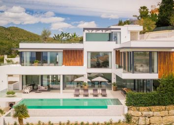 Thumbnail 5 bed villa for sale in La Alqueria, Benahavis, Malaga, Spain