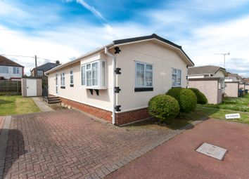 Thumbnail 2 bedroom mobile/park home for sale in Court Mount, Canterbury Road, Birchington