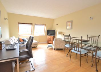 Thumbnail 2 bed flat to rent in Brookside, Barnet, Hertfordshire