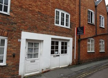 Thumbnail 2 bedroom flat to rent in Silver Street, Newport Pagnell