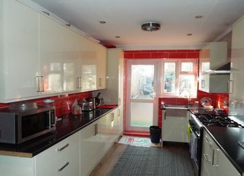 Thumbnail 6 bed property to rent in East Road, London