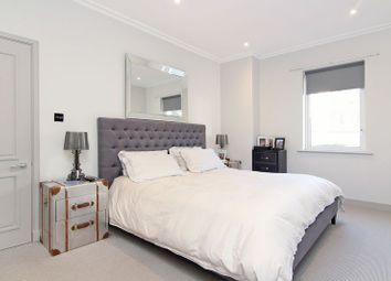 Thumbnail Flat for sale in Point Pleasant, London