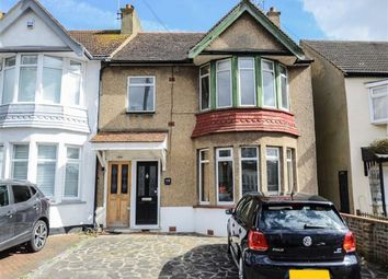 Thumbnail 1 bed flat for sale in Southsea Avenue, Leigh-On-Sea, Essex