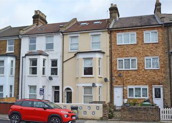 3 bed flat for sale in Courthill Road, Hither Green, London SE13