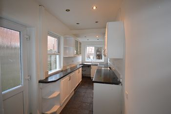 Thumbnail 2 bed terraced house to rent in 21 South Street, Crewe, Cheshire