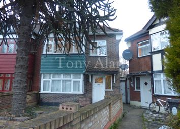 3 bed semi-detached house to rent in Markmanor Avenue, London E17