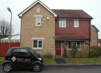 Thumbnail 3 bed detached house to rent in Merchants Close, Knaphill, Woking