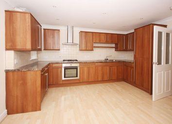 Thumbnail 2 bedroom flat for sale in Brighton Road, Horsham