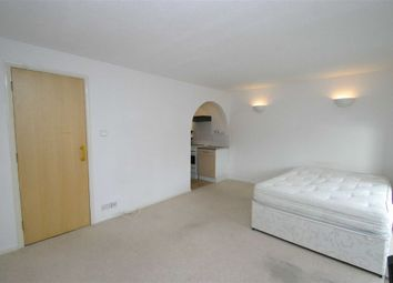 Thumbnail Studio to rent in Palmerston Road, London