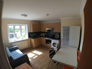 Thumbnail 2 bed flat to rent in Mayfield Road, Southampton