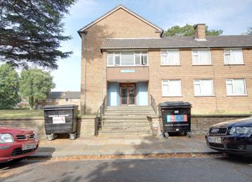 Thumbnail 3 bedroom flat for sale in Arundel Gardens, Winchmore Hill