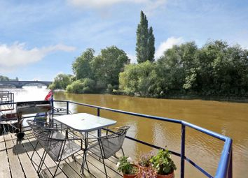 4 bed houseboat for sale in The Hollows, Brentford TW8