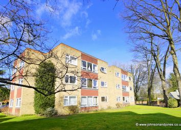 2 bed flat to rent in St. Georges Avenue, Weybridge KT13