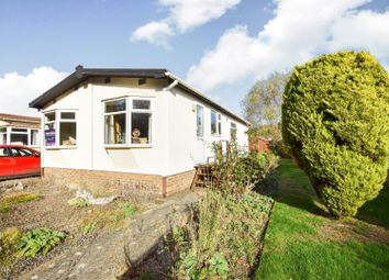 Thumbnail 2 bed mobile/park home for sale in Coppice Farm Park, Tring