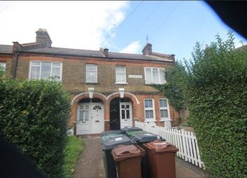 Thumbnail 3 bed flat to rent in Warner Road, London