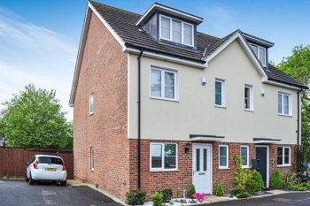 Thumbnail 4 bed semi-detached house to rent in Blackdown Close, Southgate, Crawley, West Sussex