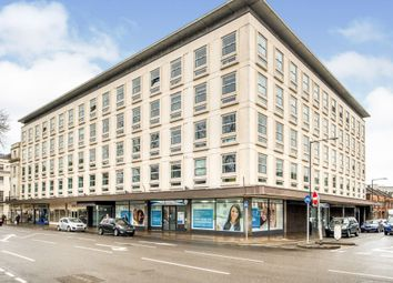 2 bed flat for sale in Clarendon Avenue, Leamington Spa CV32