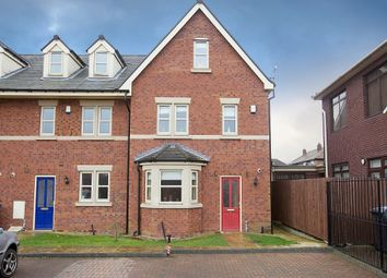 Thumbnail 4 bed town house to rent in Westbridge Mews, Paddington, Warrington