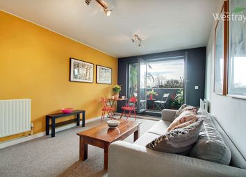 Thumbnail 1 bed flat to rent in Triangle Road, Hackney