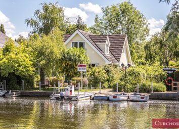 Pharaohs Island, Shepperton TW17. 3 bed property for sale