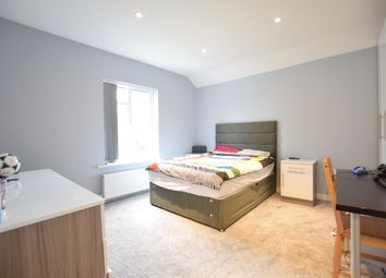 Room to rent in Room 3 Melrose Avenue, Reading RG6