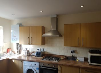 Thumbnail 4 bed flat to rent in Cambridge Heath Rd, London