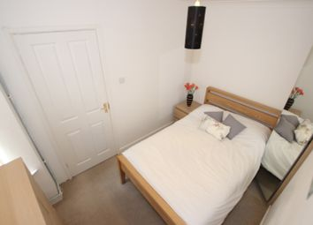 Thumbnail Room to rent in Queens Road, Room 1, Reading