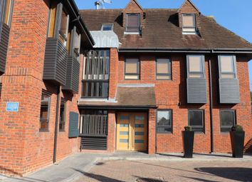 Thumbnail 1 bedroom flat to rent in Dean Street, Marlow