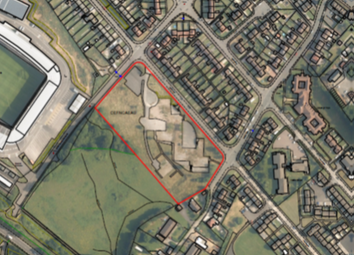 Thumbnail Land for sale in Ynys Las, Llwynhendy