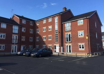 2 bed flat to rent in Lawnhurst Avenue, Wythenshawe, Manchester M23