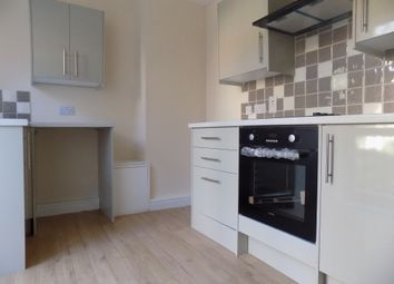 Thumbnail 2 bed flat to rent in Albion Street, Dunstable, Bedfordshire