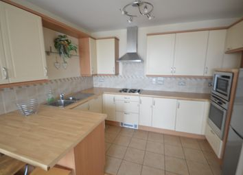 2 bed flat to rent in Queen Street, Cardiff CF10