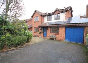Thumbnail 5 bedroom detached house for sale in Wondesford Dale, Binfield, Bracknell