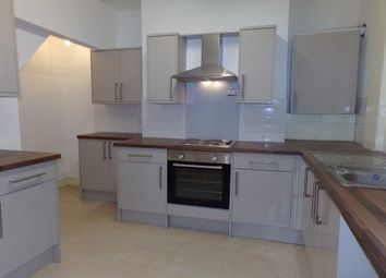 2 bed property to rent in Angle Street, Burnley BB10