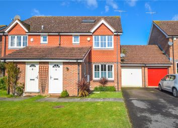 Thumbnail 4 bed detached house for sale in Clover Close, Wokingham, Berkshire