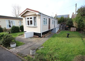 Thumbnail 1 bedroom mobile/park home to rent in Beechwood Park, Mossman Drive, Caddington, Luton